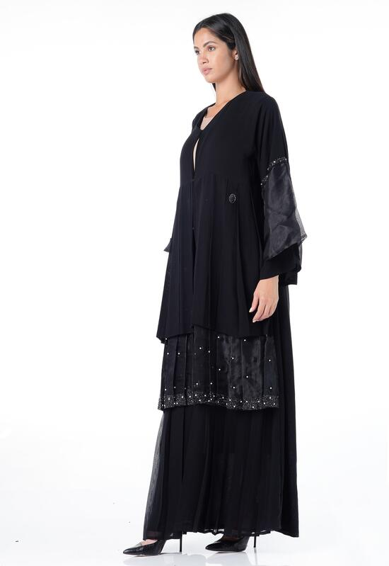 Abaya with a classy design, with chiffon fabric and a gradient cut