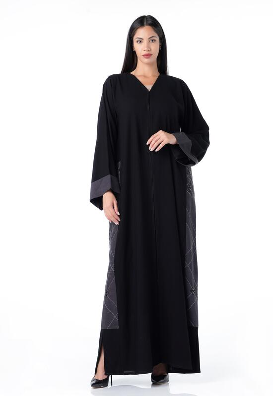 Abaya with a soft design, with embroidery on the sides, in a gray color