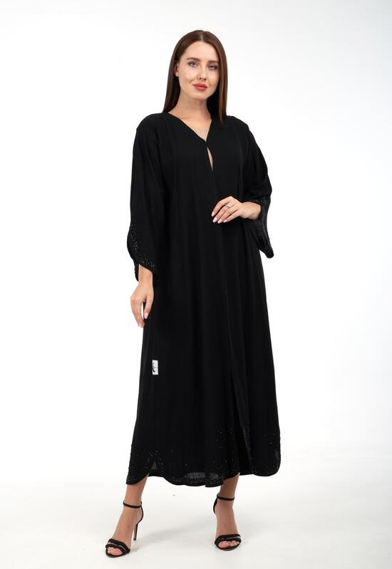 Abaya with a sophisticated design in black color with lining fabric