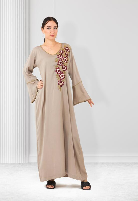 An elegant mukhour with embroidery and roses